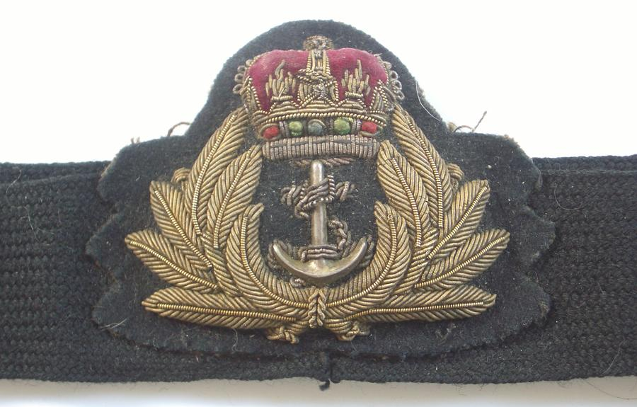 Royal Navy EIIR Officer's cap badge