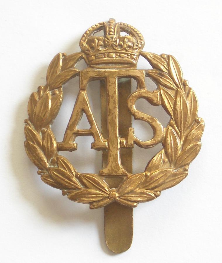 ATS WW2 brass cap badge