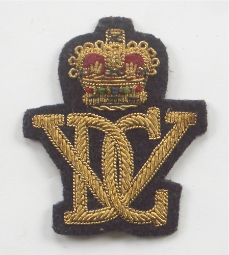 5th R. Inniskilling DG Officer's cap badge