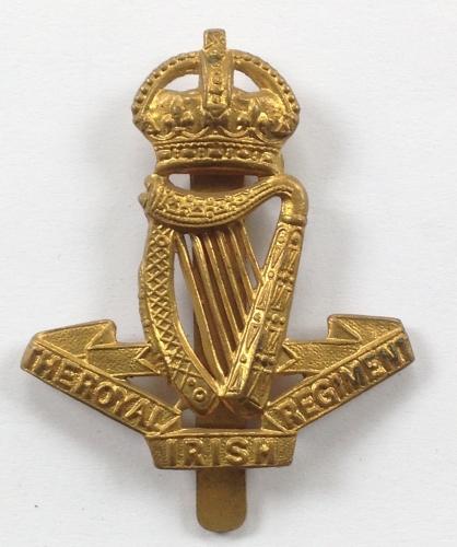 Royal Irish Regiment WW1 cap badgde
