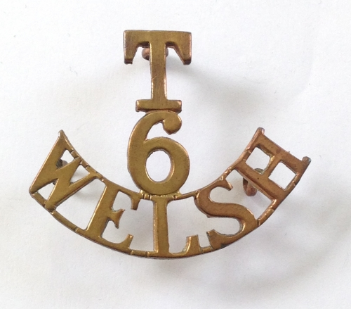T/6/WELSH brass shoulder title
