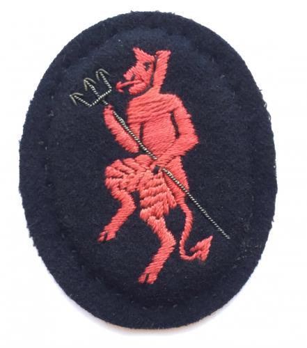 Inns of Court Regiment WW2 beret badge