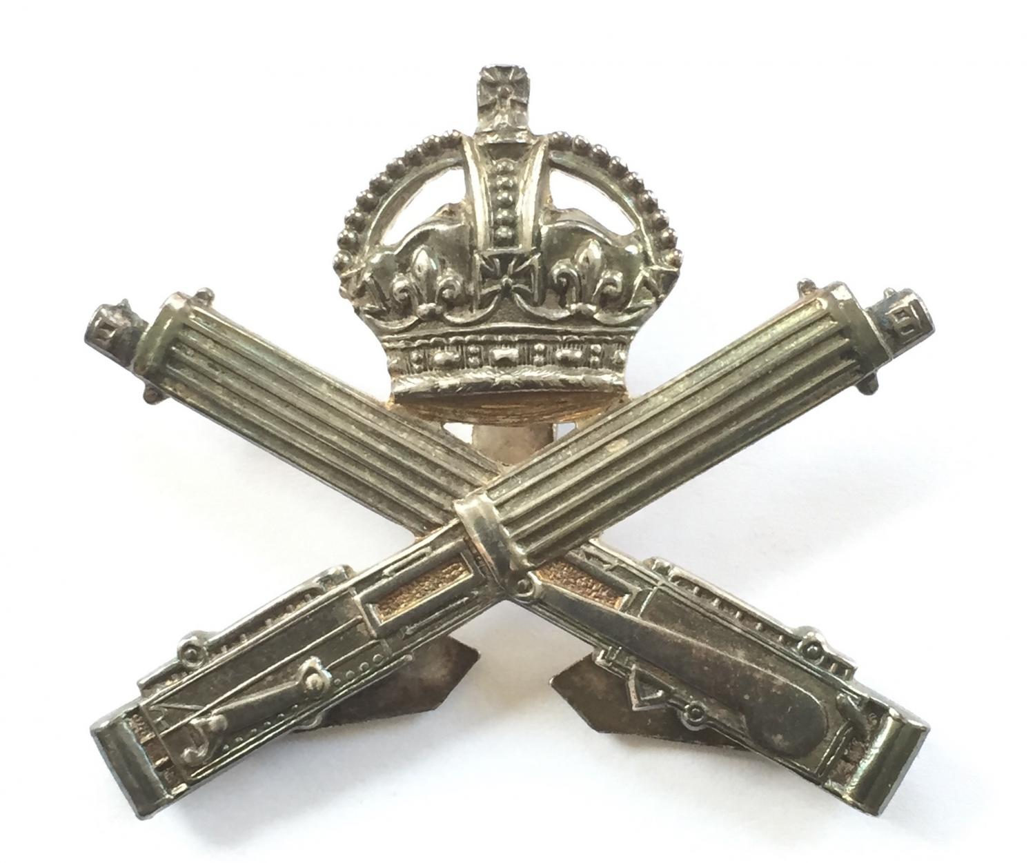 Machine Gun Corps 1917 silver cap badge.