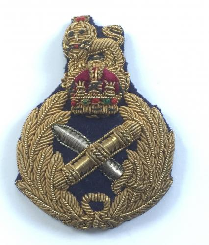 General's fine quality cap badge