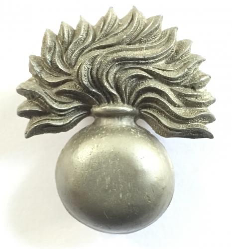 Grenadier Guards WW2 plastic cap badge