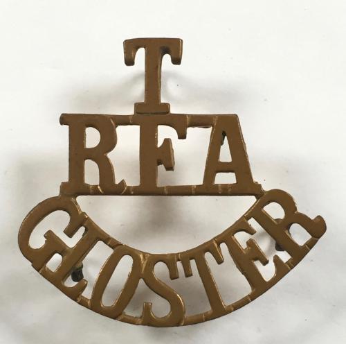 T / RFA / GLOSTER shoulder title 1908-21.