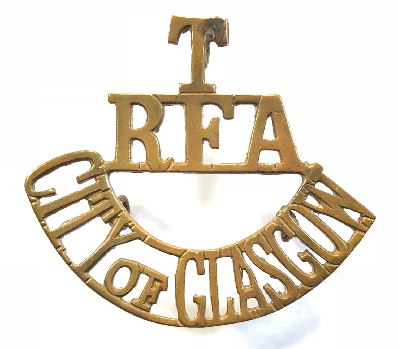 T / RFA / CITY OF GLASGOW brass Scottish shoulder title circa 1908-21.
