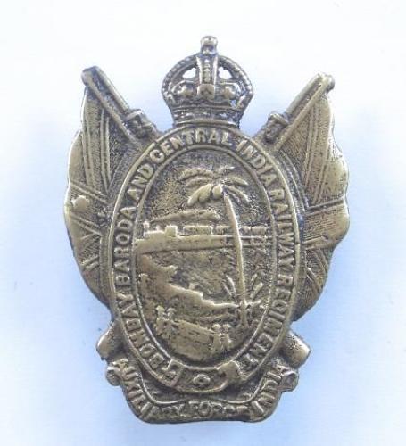 Indian Army: Bombay Baroda & Central India Railway Regiment AFI cap badge.