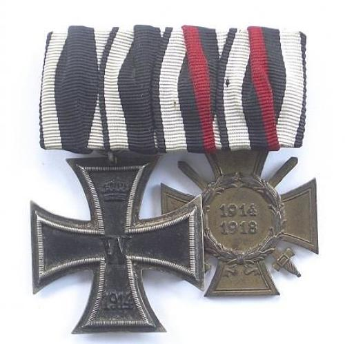 WW1 Imperial German Iron Cross Pair of Medals.