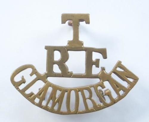 T / RE / GLAMORGAN brass post 1908 Royal Engineers Welsh shoulder title