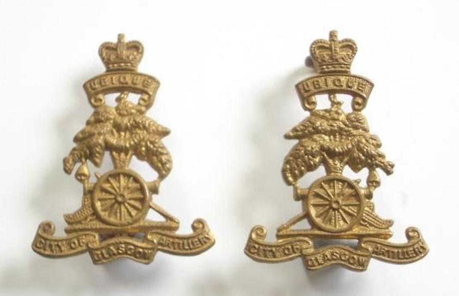City of Glasgow Artillery OR's pair of collar badges circa 1955-61.
