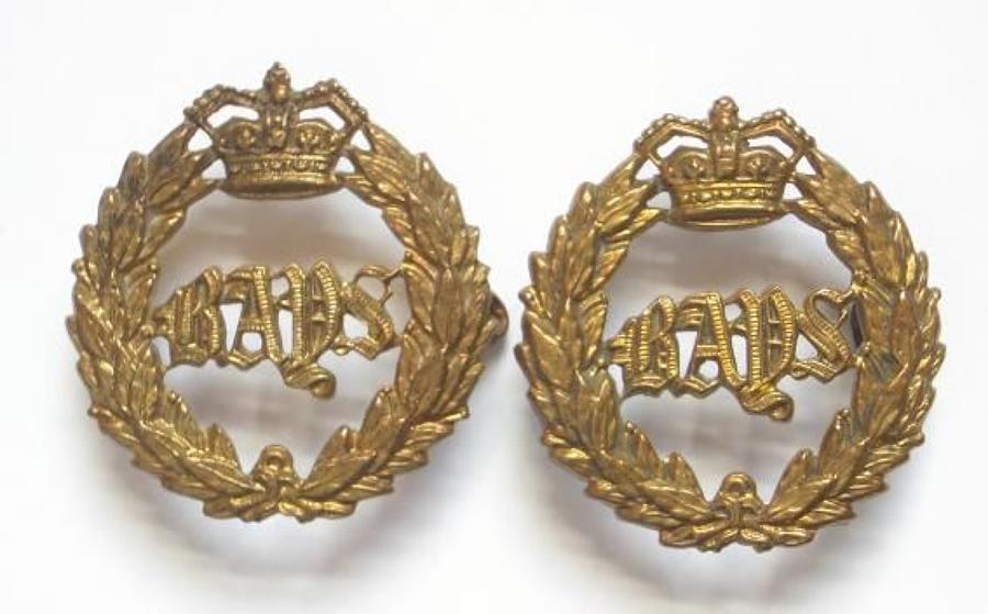 2 x Queens Bays brass Victorian collar badges.