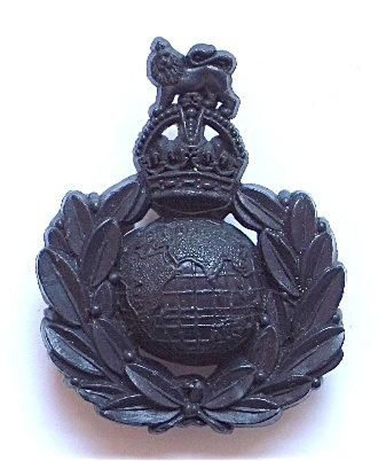 Royal Marines WW2 plastic economy cap badge by A.Stanley & Sons