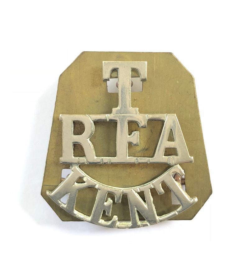 T / RFA / KENT white metal Royal Field Artillery shoulder title