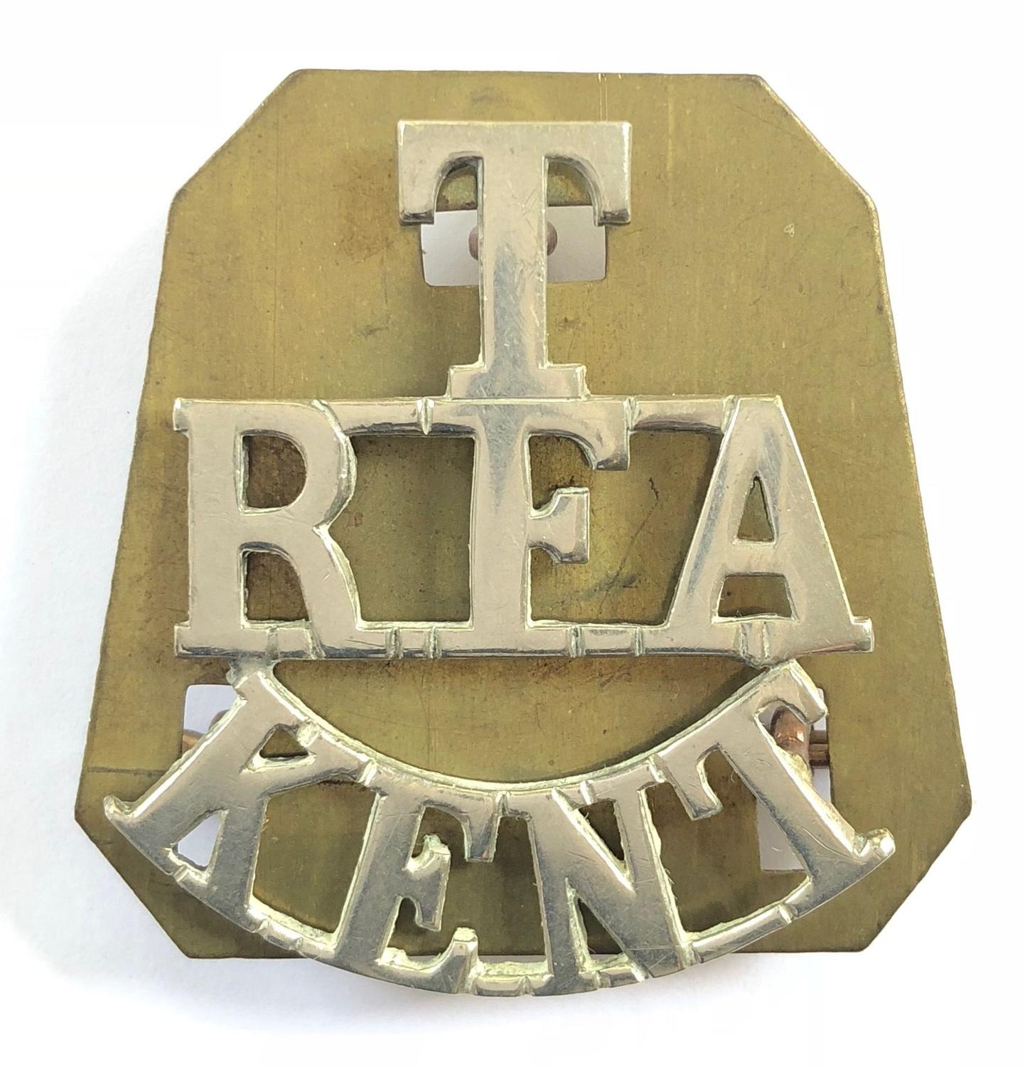 T / RFA / KENT white metal Royal Field Artillery shoulder title