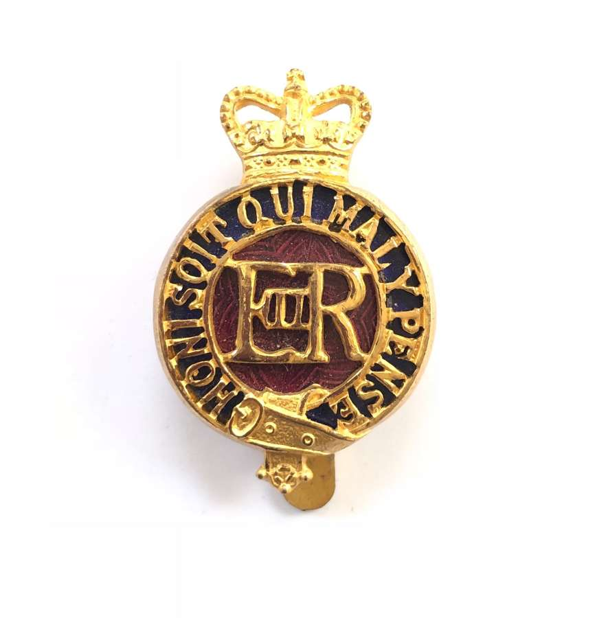Household Cavalry Warrant Officer's EIIR gilt & enamel cap badge