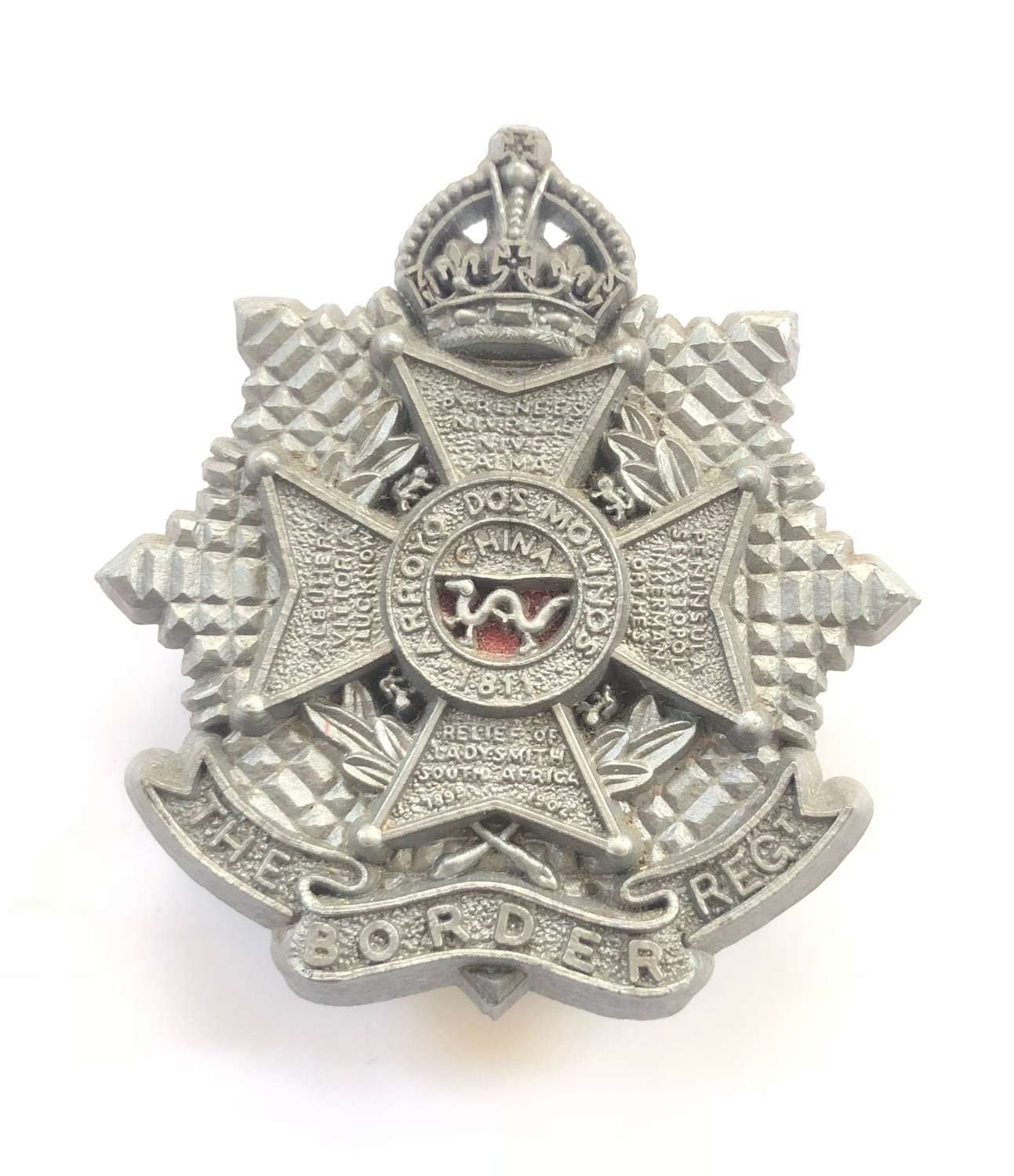 Border Regiment WW2 plastic economy cap badge.