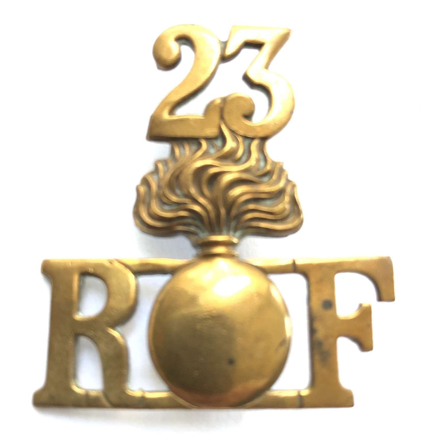 23 / R grenade F 'Kitchener's' Royal Fusiliers WW1 shoulder title