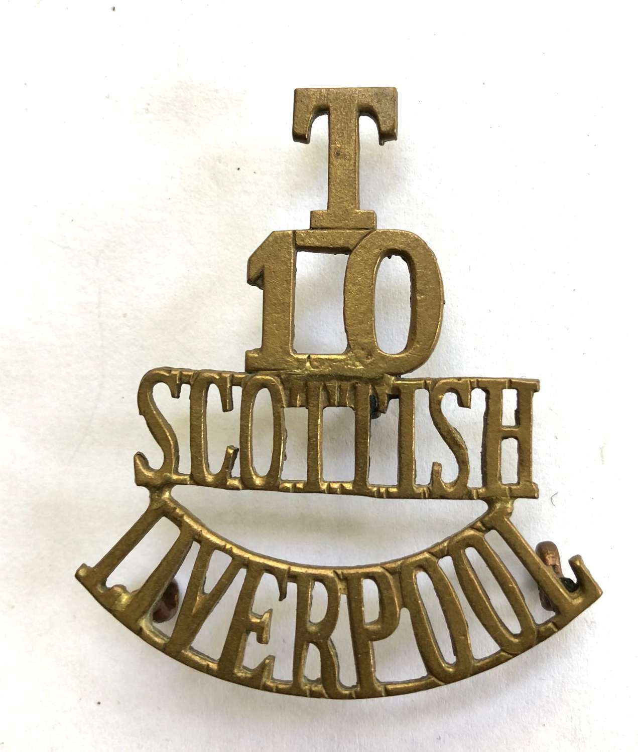 T / 10 / SCOTTISH / LIVERPOOL post 1908 brass shoulder title
