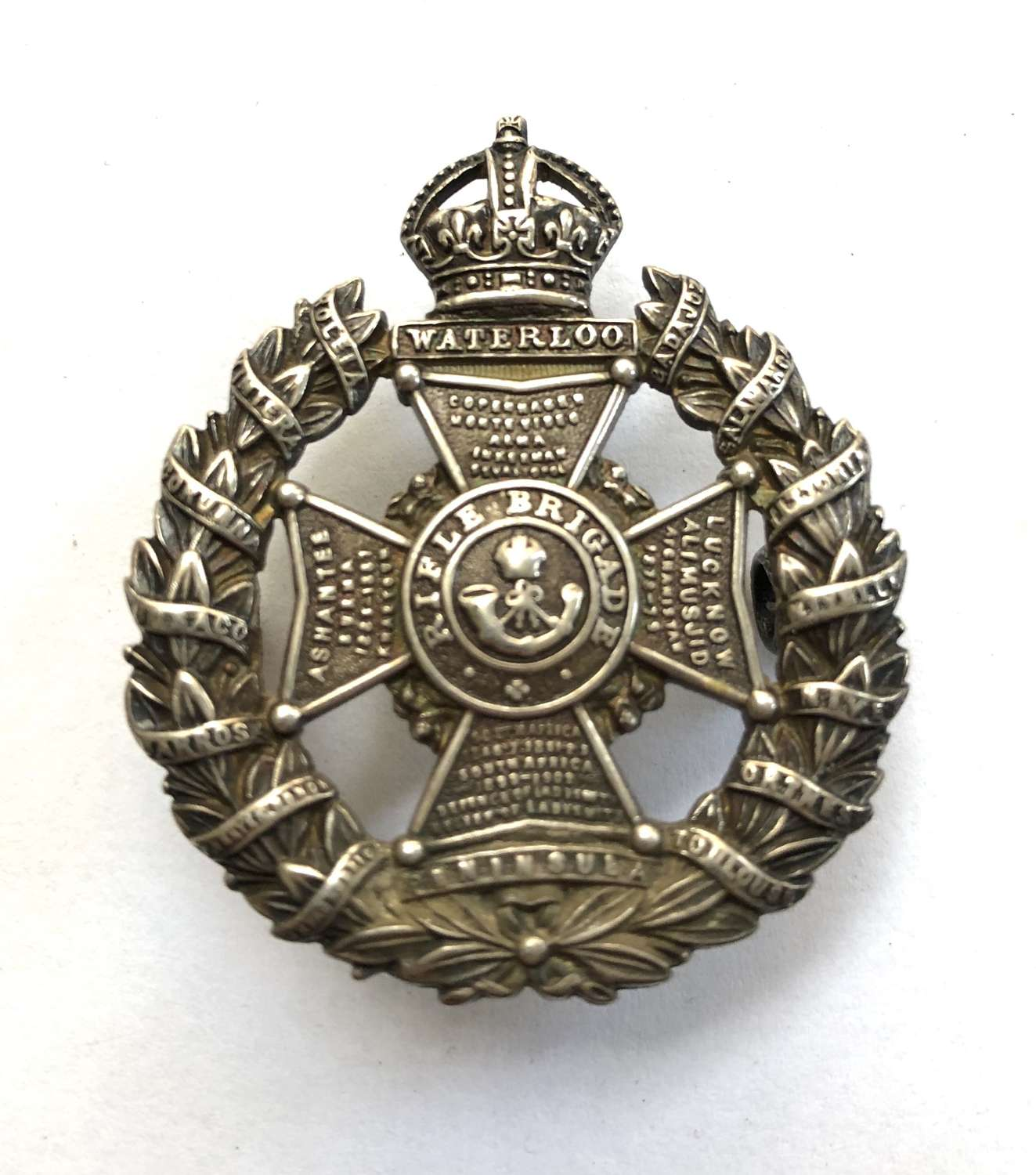 Rifle Brigade WW1 Officer's silver cap badge by J & Co