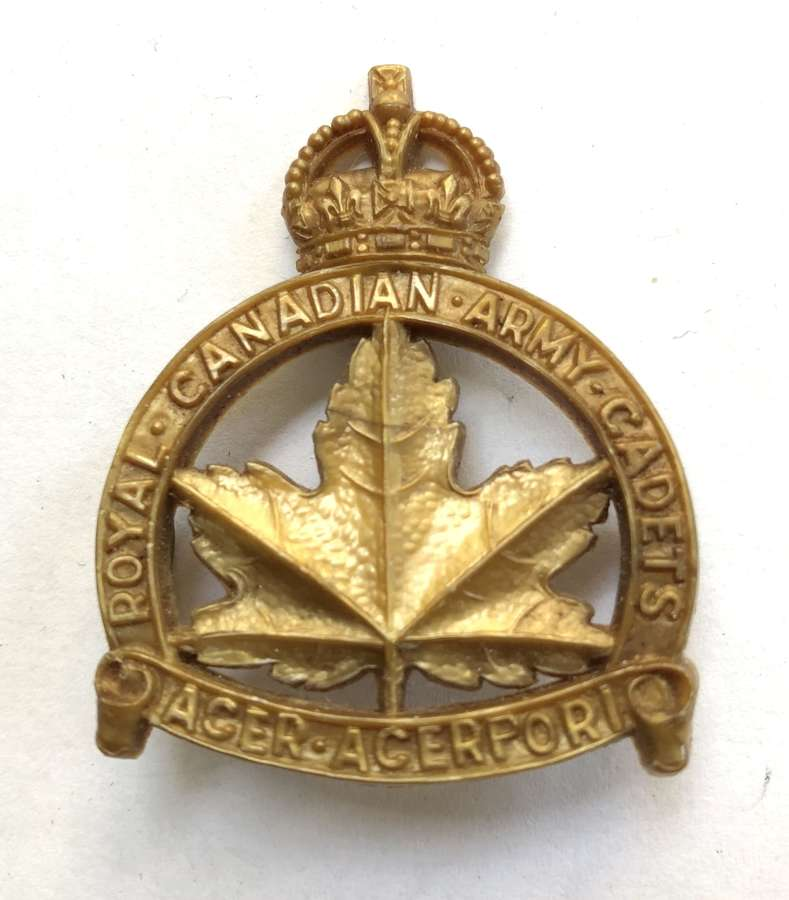 Royal Canadian Army Cadets WW2 plastic cap badge