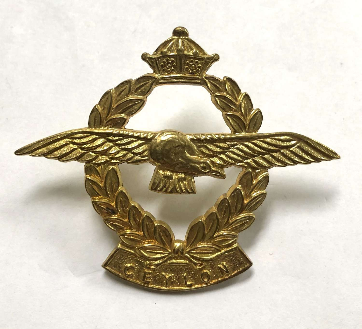 Ceylon Air Force cap badge