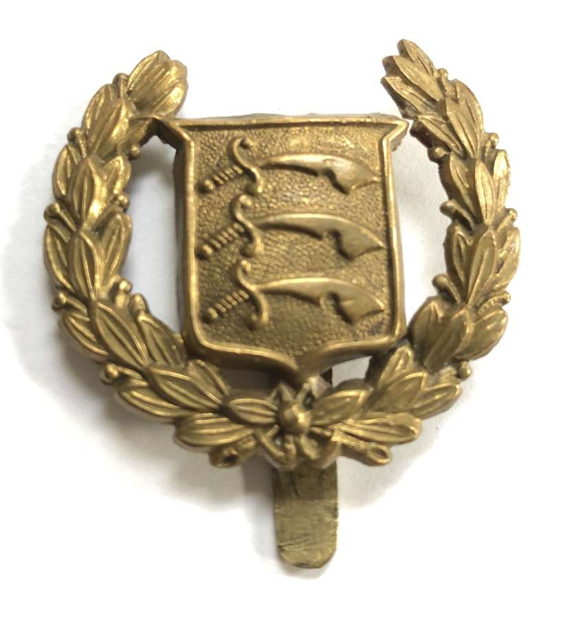 Essex County Cadets scarce brass cap badge