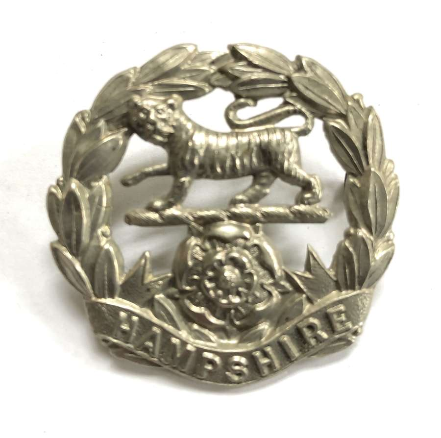 Hampshire Volunteer Regiment WWI VTC white metal cap badge