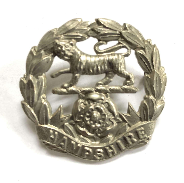 Hampshire Volunteer Regiment WWI VTC white metal cap badge