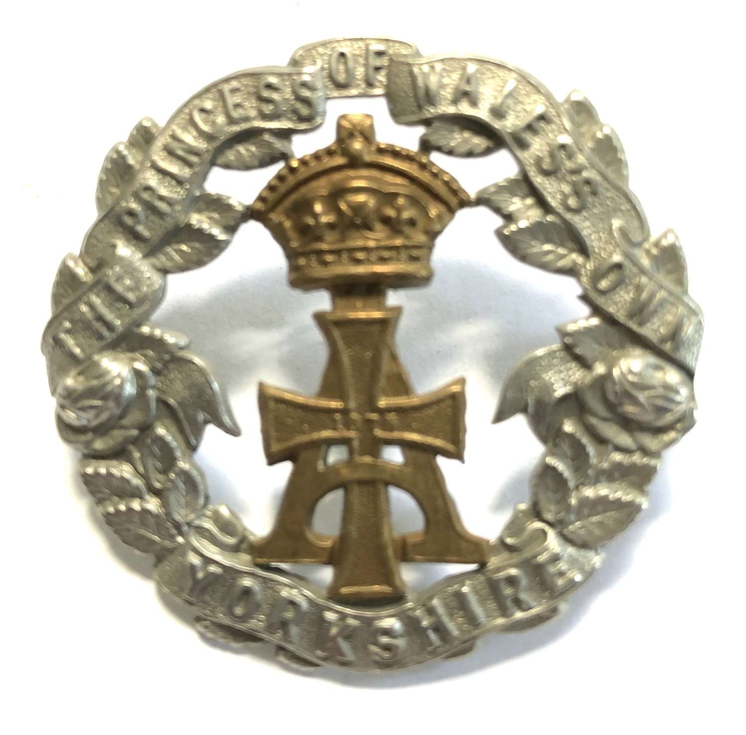 Yorkshire Regiment Victorian cap badge circa 1896-1908