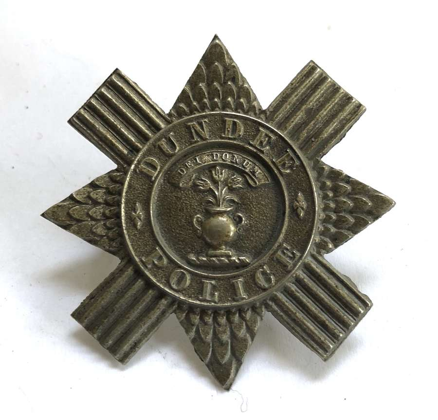 Dundee Police early headdress badge