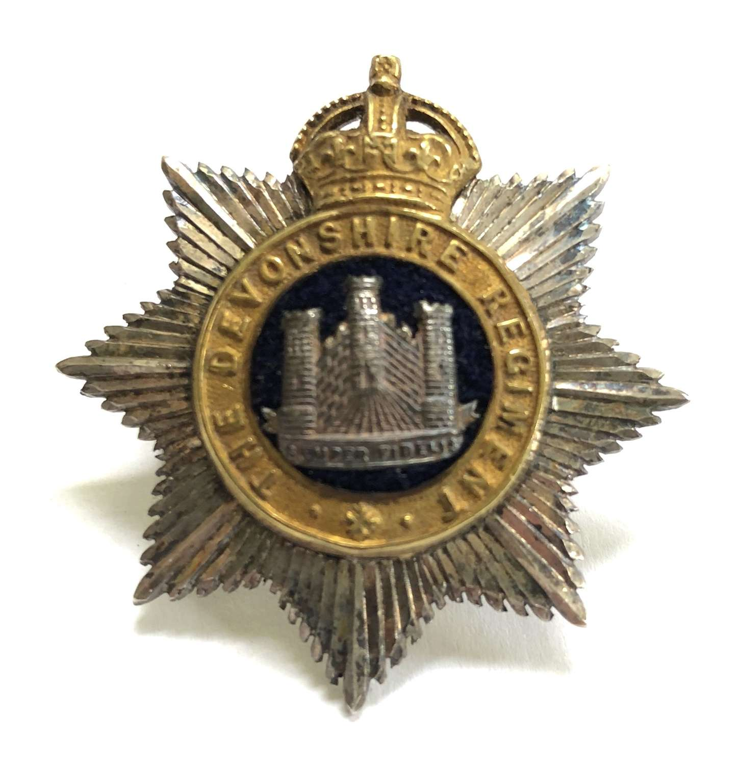 Devonshire Regiment silver Officer's cap badge by Gaunt, London