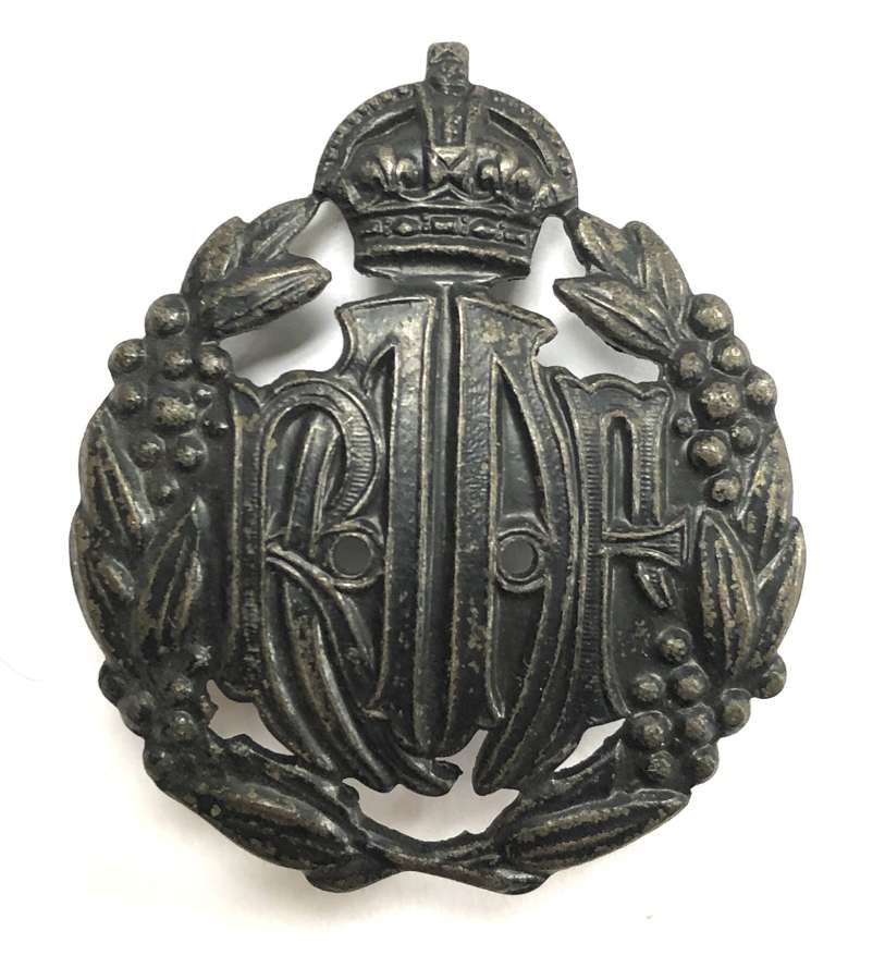 Royal Australian Air Force WW2 economy issue cap badge