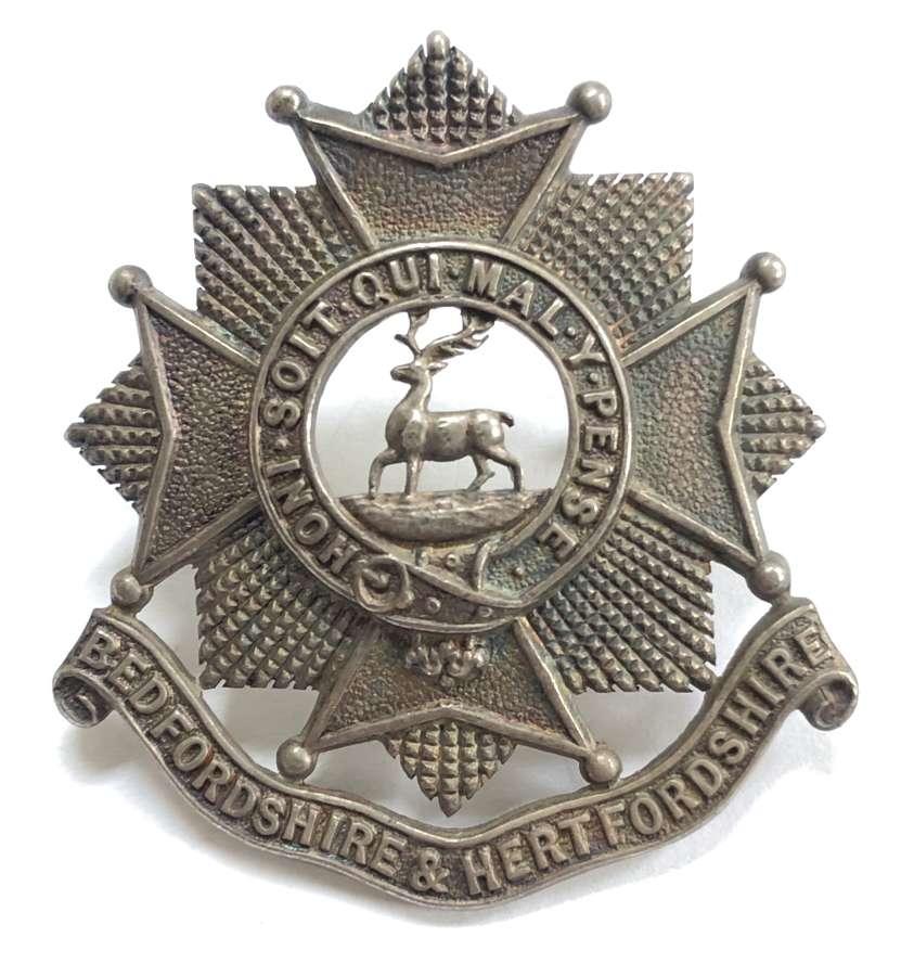 Bedfordshire & Hertfordshire Regiment WW2 silver cap badge by Gaunt