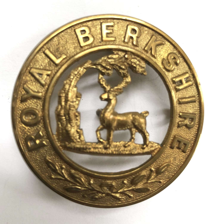 Royal Berkshire Regiment helmet plate centre c1885-191