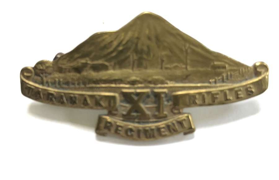 New Zealand 11th (Taranaki Rifles) Regiment WW1 cap badge by Gaunt