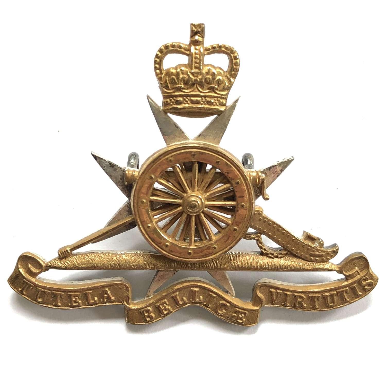 Royal Malta Artillery post 1953 Officer's cap badge by Gaunt, London