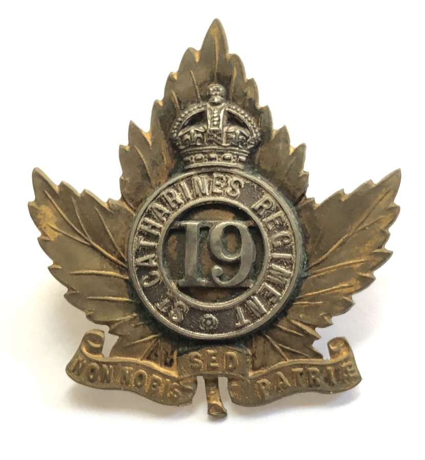 Canadian 19th St.Catherines Regiment Officer's cap badge C1901-12