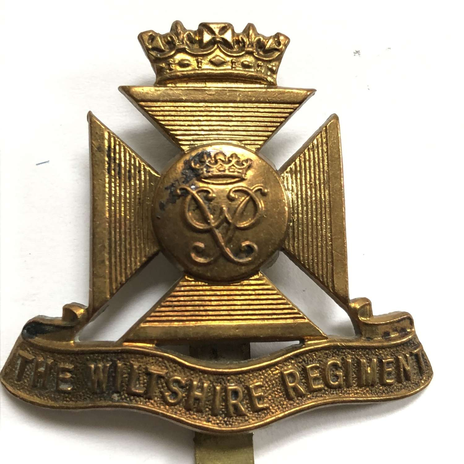Wiltshire Regiment cap short lived badge circa 1954