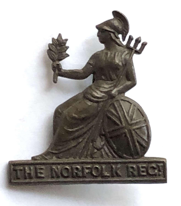 Royal Norfolk Regiment post 1935 OSD bronxe cap badge