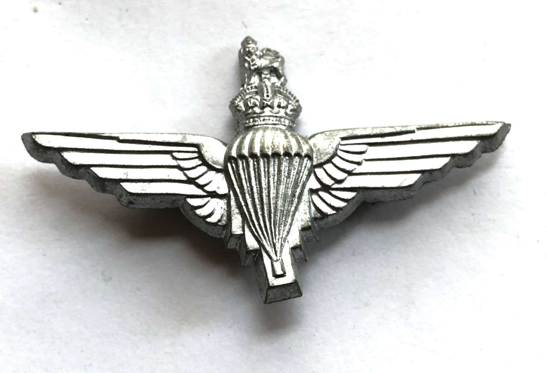 Parachute Regiment WW2 plastic economy beret badge