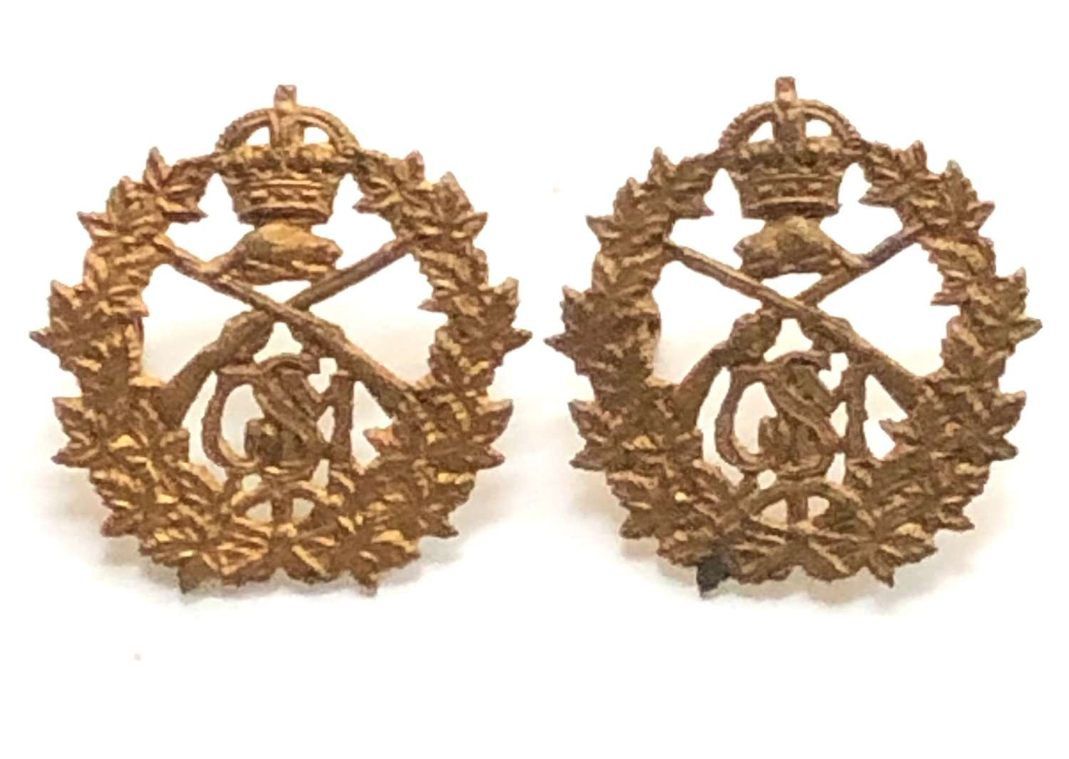 Canadian School of Musketry 1914 facing pair of collar badges