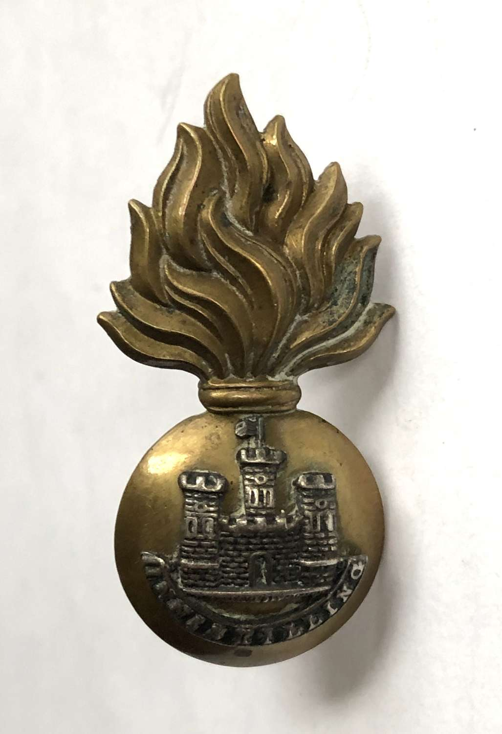 Royal Inniskiliing Fusilers Officer's WW1 cap badge