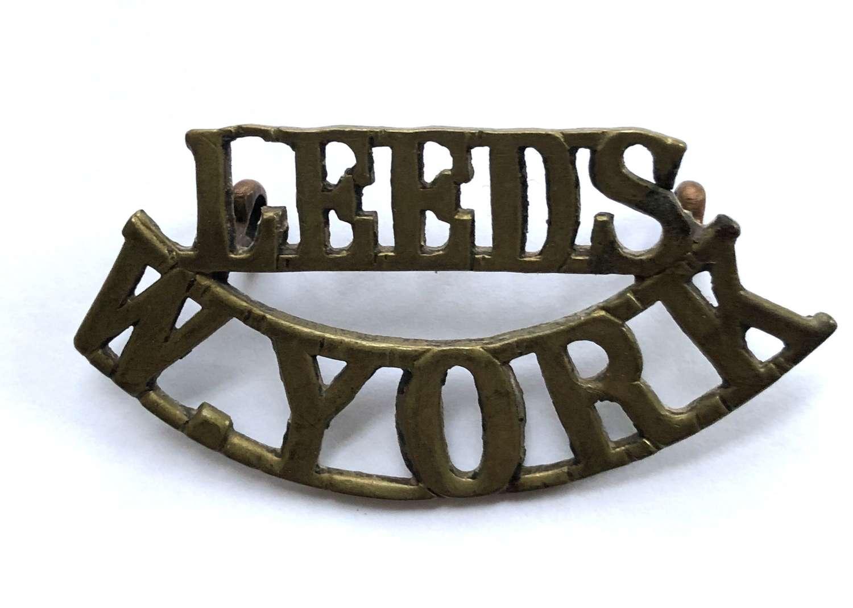 """LEEDS / W.YORK WW1 Kitchener's Army """"Leeds Pals"""" brass shoulder"""