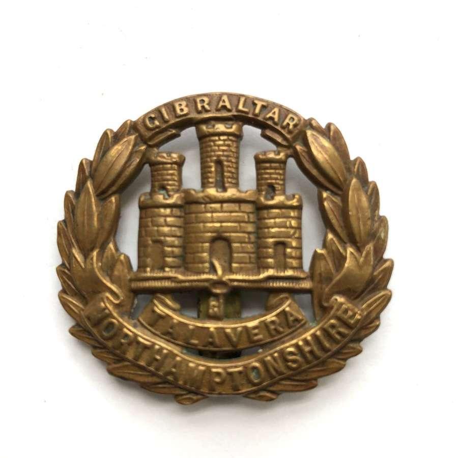 Northamptonshire Regiment WW1 brass economy cap badge c1916-18