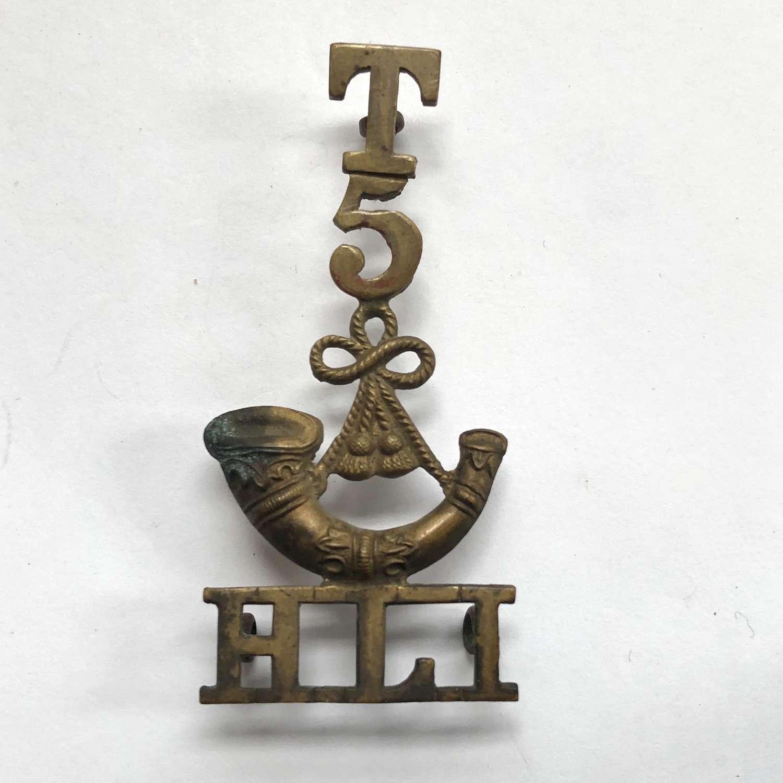 T / 5 / bugle / HLI  Highland Light Infantry Scottish shoulder title