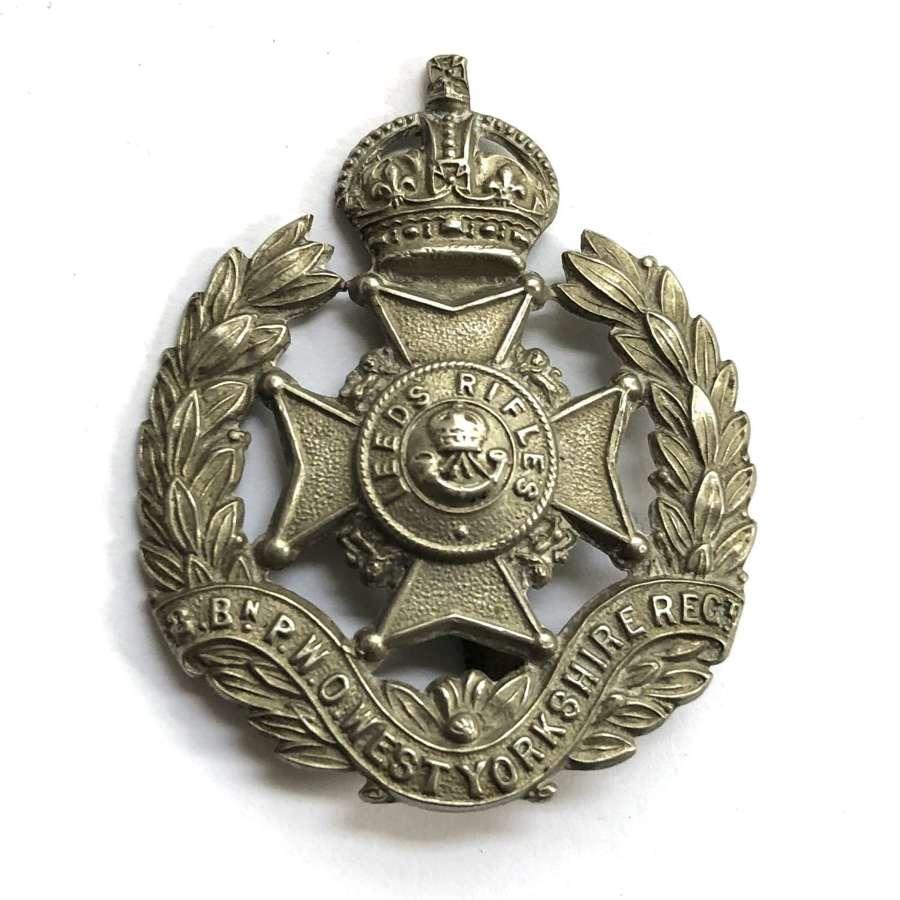 8th Bn West Yorks (Leeds Rifles) post 1908 cap badge