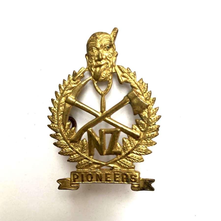 New Zealand Pioneers WW1 cap badge by Gaunt, London