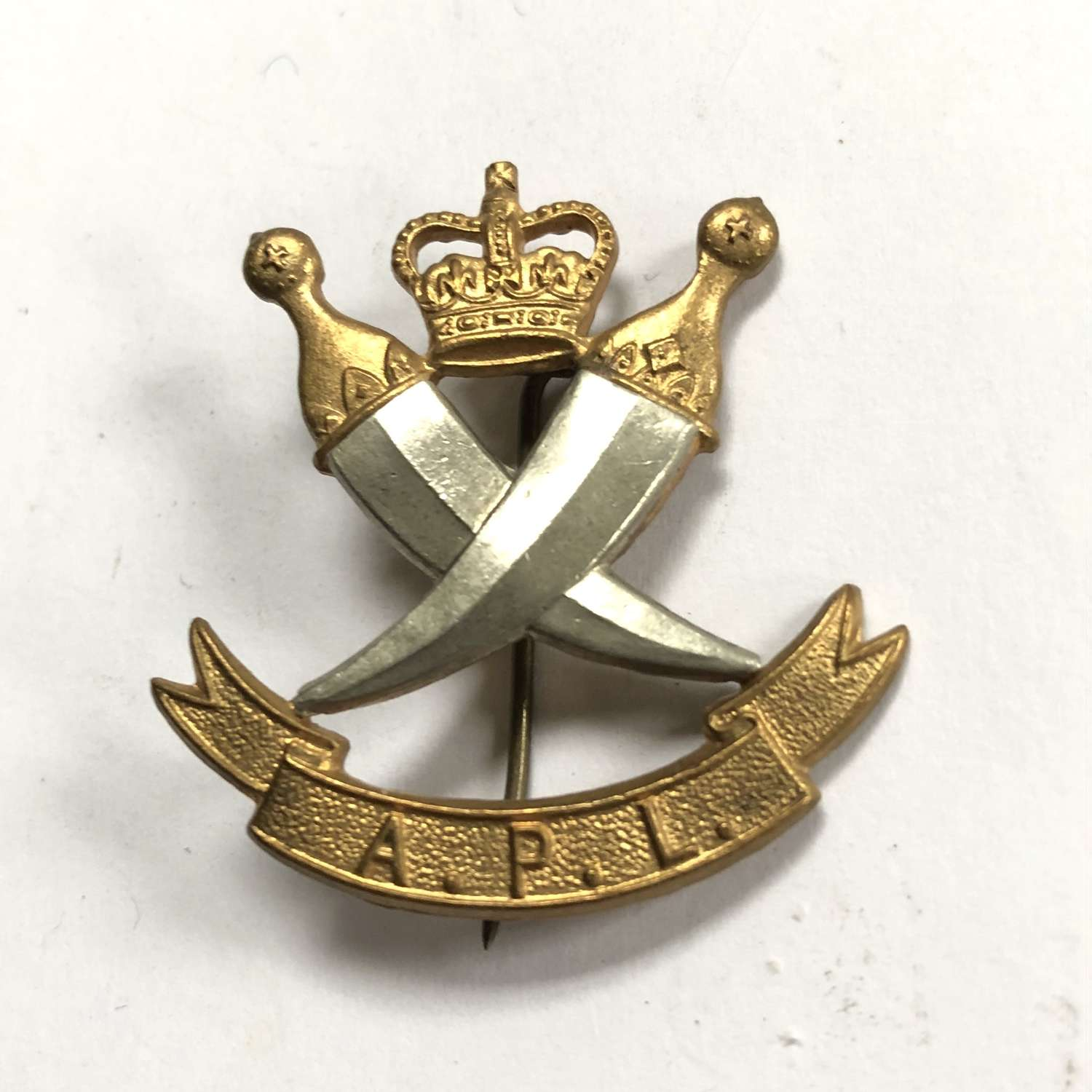 Aden Protectorate Levies Officer's head-dress badge